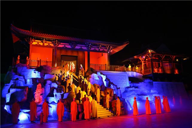 广东六祖故里新兴的禅域小镇实景演出,再现六祖惠能的传奇一生